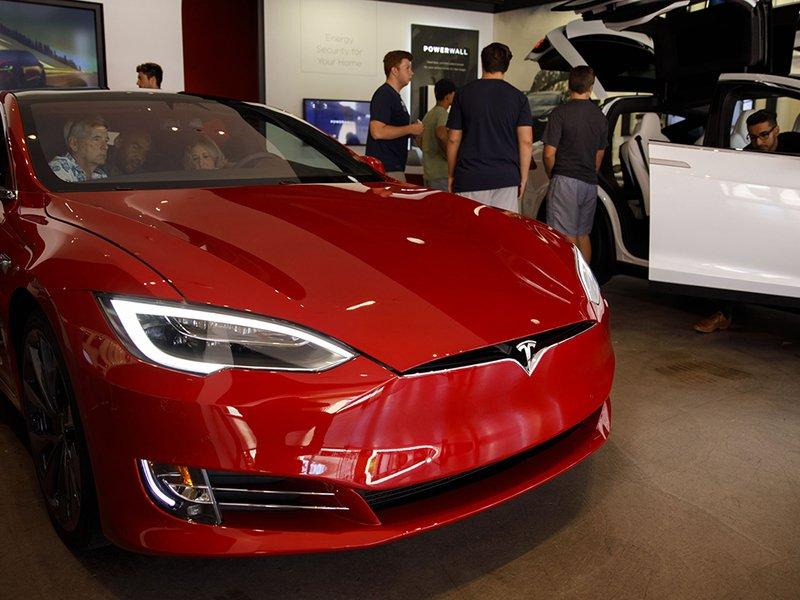 Michigan, Tesla settle suit over direct vehicle sales