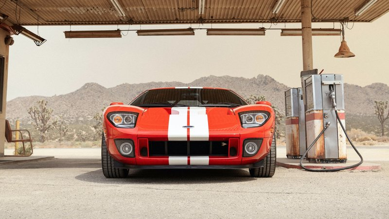 Win this 2005 Ford GT from Omaze