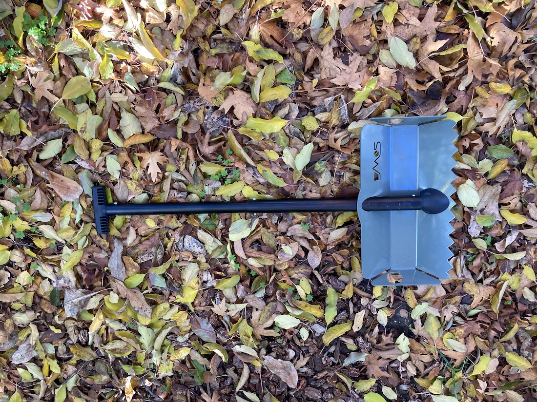 The DMOS Snow and Sand Shovel Is Tough, Efficient, Ideal For Overlanding