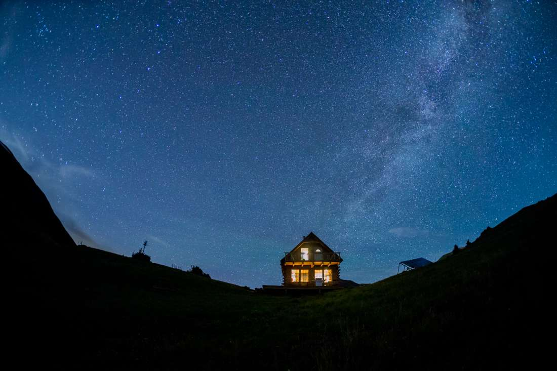 Next Time You're in Colorado, Stay in This Amazing 'Hut'